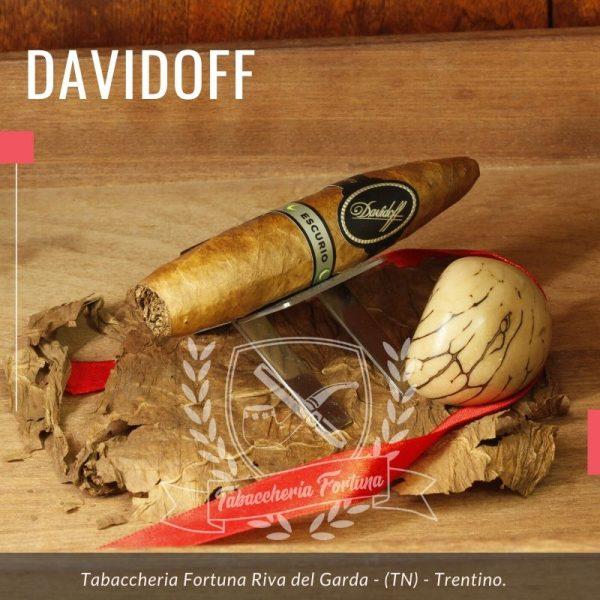 Il Davidoff Escurio Gran Perfecto offre una fumata disimpegnata e rilassante