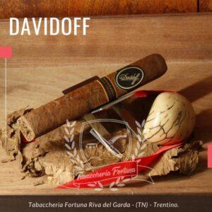 Davidoff milleium nicaragua toro. Alle labbra la fascia delicatamente stuzzica con il pepe mentre note di pelle e spezie dolci,