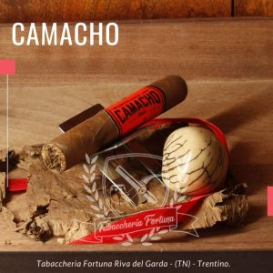 Camacho Corojo Tubos Il sigaro più classico e autentico, armonico ma robusto, in una sola parola:leggendario.
