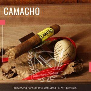 Camacho Criollo La fumata risulta morbida e realmente dolce, molto piacevole con il suo copioso e profumatissimo fumo