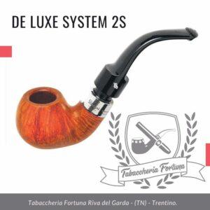 Deluxe System 2S Peterson Lip Una forma a forma di mela piegata generosamente, la forma 2s o '03' offre una grande camera per fumatori e una parete robusta.