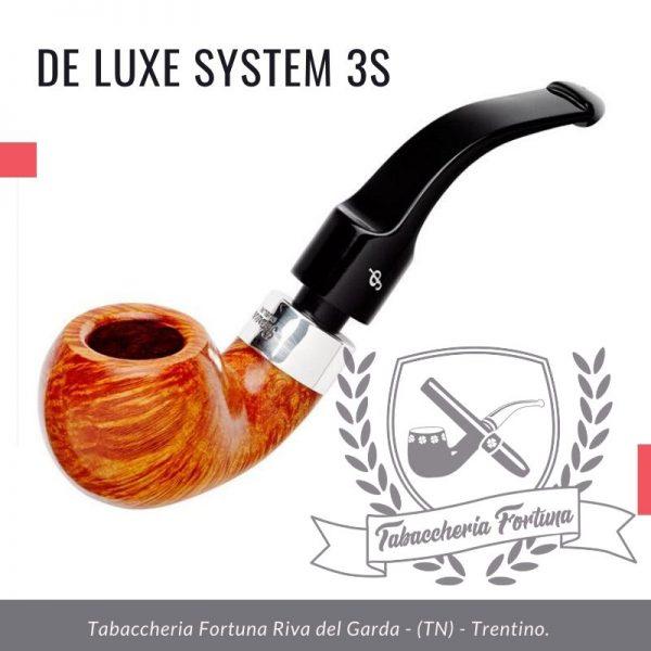 Deluxe System 3S Peterson Lip Una mela piegata classica e leggera con le sue linee fluide che rendono questa pipa una delle nostre forme più popolari.