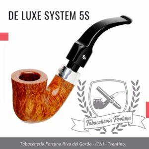 Deluxe System 5S Peterson Lip Una forma iconica, il Calabash completamente piegato è sinonimo di Peterson in una varietà di gamme e spesso indicato come una forma '05'.