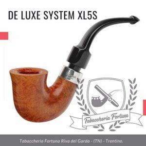 Deluxe System XL5S Peterson Lip La più grande delle nostre offerte Calabash, questa pipa offre un fumo fresco e liscio grazie allo stelo e al bocchino allungati.